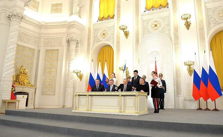 podpisanie-dogovora-o-vhozhdenii-kryma-v-RF